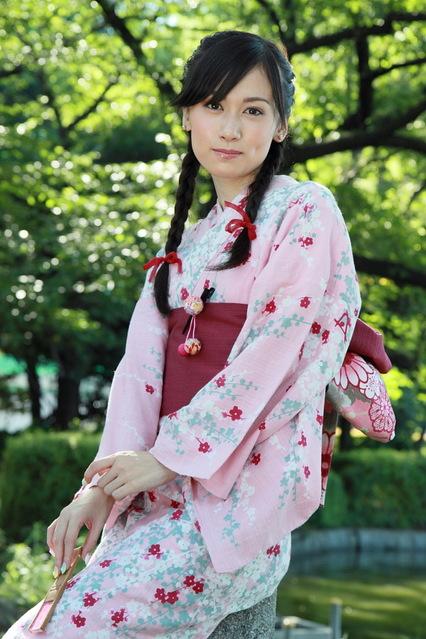 Img_1586 三つ編みの髪型は純日本風のイメージかとおもいきや実は赤毛のアン? うえの夏まつ